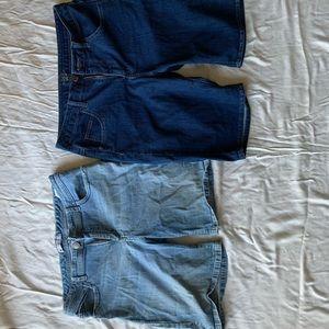 2 pair lee jean Bermuda shorts.